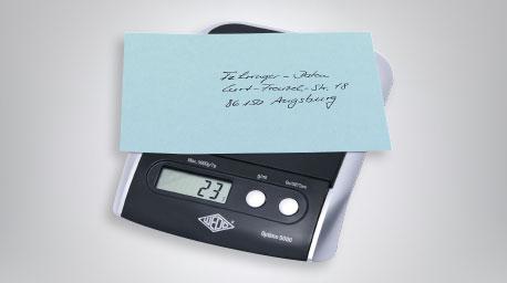 Digitale Briefwaage mit Brief