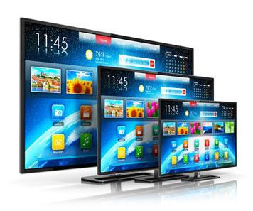 Drei verschieden große Fernseher