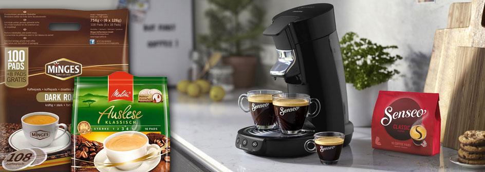 Verschiedene Kaffeepads mit Senseo-Padmaschine