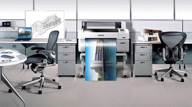 Epson-Plotter Surecolor in einem Ingenieur-Büro