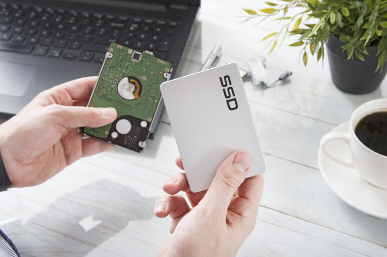Geöffnete SSD Festplatte