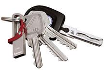 Schlüsselbund mit einem am Schlüsselring befestigten USB-Stick
