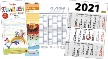Ein Stapel von Wandkalendern