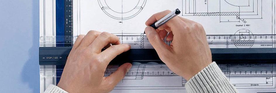 Zeichnen eines Plans auf einer Zeichenplatte
